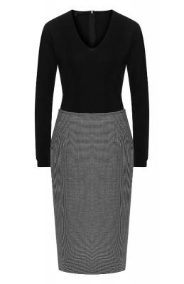 Шерстяное платье с V-образным вырезом