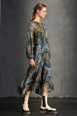 Платье миди с камуфляжным принтом