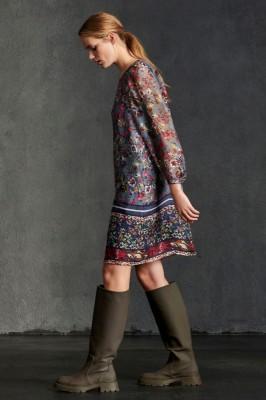 платье из натурального шелка с цветочным принтом
