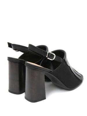 Босоножки из кожи на устойчивом каблуке