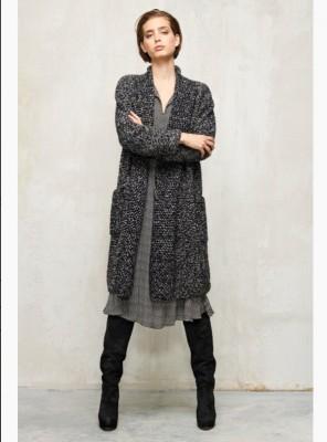 Плиссированное платье с поясом